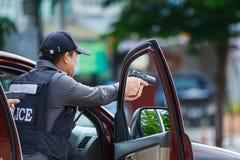 Policja aresztująca, policja, pistolet Zdjęcie Stock