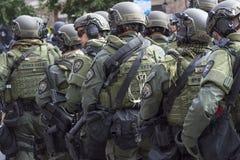 Policja na stanie pogotowia dla zamieszki Zdjęcie Royalty Free
