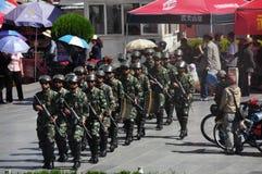 Policjant przy Lhasa, Tybet zdjęcie royalty free