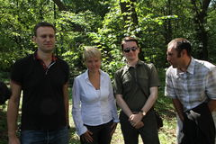 Policy Alexey Navalny, Evgenia Chirikova, Vladislav Naganov, Suren Gazaryan at the meeting of activists in Khimki forest Stock Photography