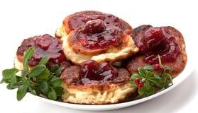 Polieren Sie Torte mit Erdbeeremarmelade Lizenzfreies Stockfoto