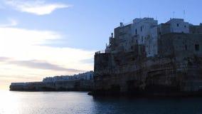 Polignano eine Stadt der Stute A, die das Meer ?bersieht stock footage