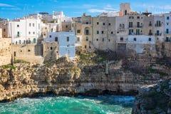 Polignano en sto (filosofie kandidaten, Italien): himmel på jord Arkivfoton