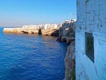 Polignano klacz, Bari prowincja, Apulia, południowy Włochy Środowisko, wakacje zdjęcie royalty free