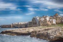 Polignano klacz w Apulia, Włochy Bari prowincja, południowy Włochy adriatic morza zdjęcia stock