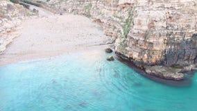 Polignano klacza A miasteczko przegapia morze zdjęcie wideo