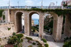 Polignano Kobyli Puglia, Włochy zdjęcia stock