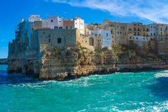 Polignano une jument (BA, Italie) : ciel sur terre Photo libre de droits