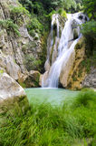 Polilimnio Wasserfall, Peloponnes, Griechenland lizenzfreie stockfotografie