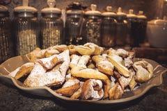Polimento caseiro faworki pulverizado das cookies, chrusty Foto de Stock