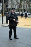 Polis con los armas Londres 2016 Foto de archivo libre de regalías
