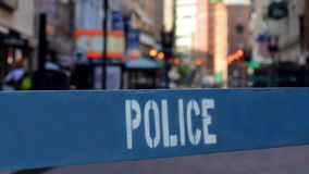 Polisbarriär stock video