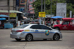 Polisbil av den turist- polisen Toyota Corolla Altis arkivfoton