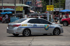 Polisbil av den turist- polisen Toyota Corolla Altis arkivfoto