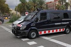 Polisbil i Barcelona Arkivfoton