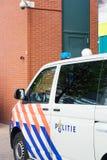 Polisbil i Nederländerna Slapp fokus royaltyfria bilder