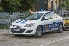 Polisbil på parkeringen Fotografering för Bildbyråer