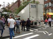 Polisen ankommer till platsen av en olycka, NYC, NY, USA Arkivfoton