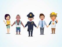 Polisen och folket rymmer handen - Royaltyfria Bilder