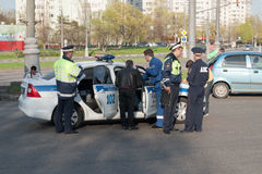 Polisen på platsen av olyckan, Moskva Fotografering för Bildbyråer