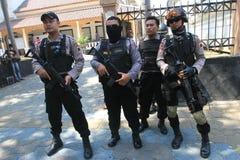 Polisen säkrar staden Royaltyfri Foto