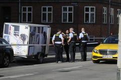 POLISEN SOM KONTROLLERAR KINIF-KAMP PÅ AMAGER Arkivfoto