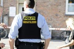 POLISEN SOM KONTROLLERAR KINIF-KAMP PÅ AMAGER Royaltyfria Foton