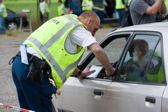 Polisen under trafikkontroll Fotografering för Bildbyråer