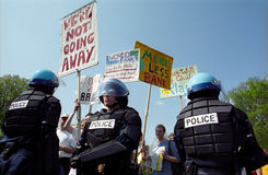 polisprotesttumult arkivfoton