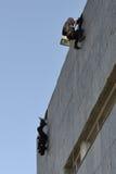 Polisspecialförband i handling arkivbild