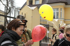 Political activists distribute the balloons symbolizing the arrested participants of Pussy Riot Stock Images