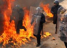 Politie in de vuurhaard royalty-vrije stock fotografie