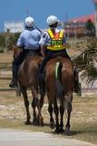 Politie op Horseback Stock Afbeeldingen