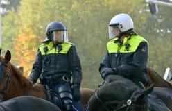 Politie op horseback Stock Foto's