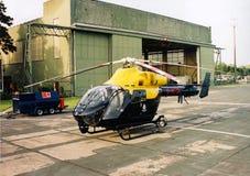 Politiehelikopter klaar voor start stock afbeeldingen