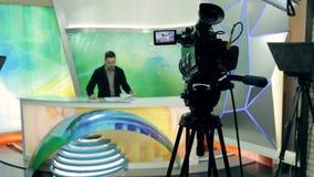 Politiek nieuws in de studio stock videobeelden