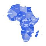 Politieke kaart van Afrika in vier schaduwen van groen met witte de naametiketten van het land op witte achtergrond Vector illust Stock Fotografie