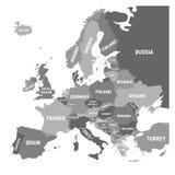 Politieke kaart van het continent van Europa in vier schaduwen van grijs met witte de naametiketten van het land en geïsoleerd op stock illustratie