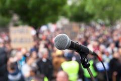 Politieke protest Openbare demonstratie Microfoon royalty-vrije stock foto's