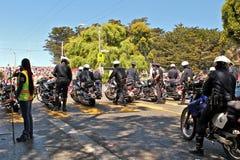 Politielijn op motorfietsen Stock Afbeeldingen