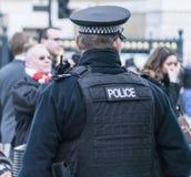 Politieman op plicht Londen het UK royalty-vrije stock afbeeldingen