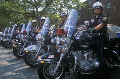 Politiemannen op motorfietsen Stock Foto