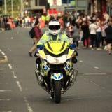 Politiemotorfiets die weg, openbare veiligheid, belangrijk incident blokkeren royalty-vrije stock foto