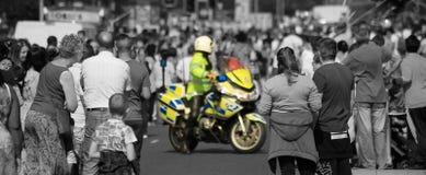 Politiemotorfiets die weg, openbare veiligheid, belangrijk incident blokkeren stock afbeelding