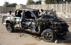 Politiewagen die door bomauto wordt vernietigd Royalty-vrije Stock Fotografie