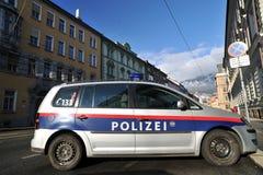 Politiewagen die in Innsbruck wordt geparkeerd Royalty-vrije Stock Foto