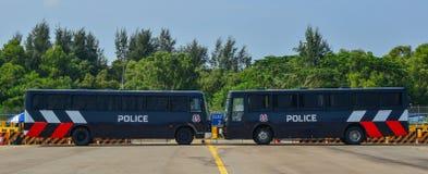 Politiewagens die bij het park parkeren royalty-vrije stock afbeeldingen