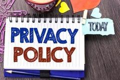 Politik för avskildhet för handskrifttexthandstil Skydd för data för säkerhet för information om begreppsbetydelsedokument skrift royaltyfri fotografi