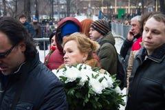 Politik Lubov Sliska im Begräbnis- Politiker Boris Nemtsov der Reihe Stockfotos