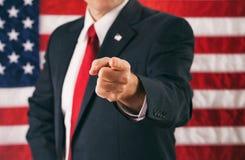 Politiker: Bemannen Sie das Zeigen direkt in Kamera Lizenzfreie Stockfotos